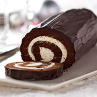Chocolate Cake Roll: Desserts, Cake Rolls, Sweet, Chocolates, Dessert Recipes, Food, Chocolate Cakes