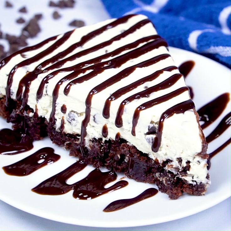 Easy Chocolate Chip Brownie Cheesecake