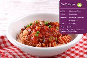Ein leckeres Pasta mit Tomaten-Sugo Rezepte findest Du hier. Für die Zubereitung benötigst du Linsennudeln, Erbsen, Auberginen und passierte Tomaten.