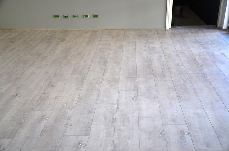 Classica Xxl Laminate Flooring Glacier White Long And