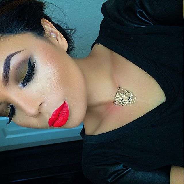 Wow this makeup looks flawless