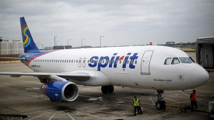Breastfeeding mom kicked off Spirit flight for 'non-compliance'