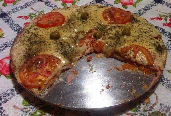 Receita de Pizza Perfeita com Pão de Forma - Receita Toda Hora