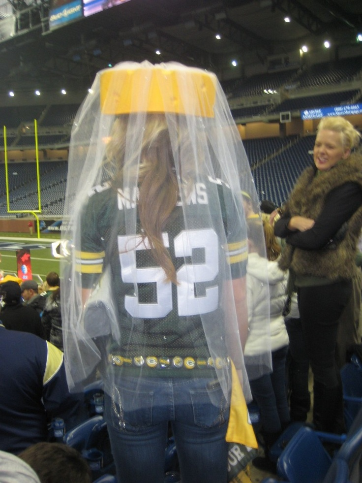 hahaha cheesehead veil. ..Have bachelorette party at a packer game!  obviously NOT the packers. but this would be so fun at a seahawks game!!!