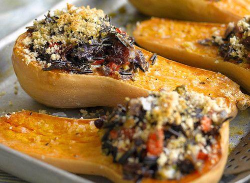 Recette de courges farcies (pour 4 personnes) - Les ingrédients pour préparer ce délicieux plat : des courges musquées (courges butternut), du riz sauvage, un oignon, de la chapelure, du miel, de l'huile d'olive ...