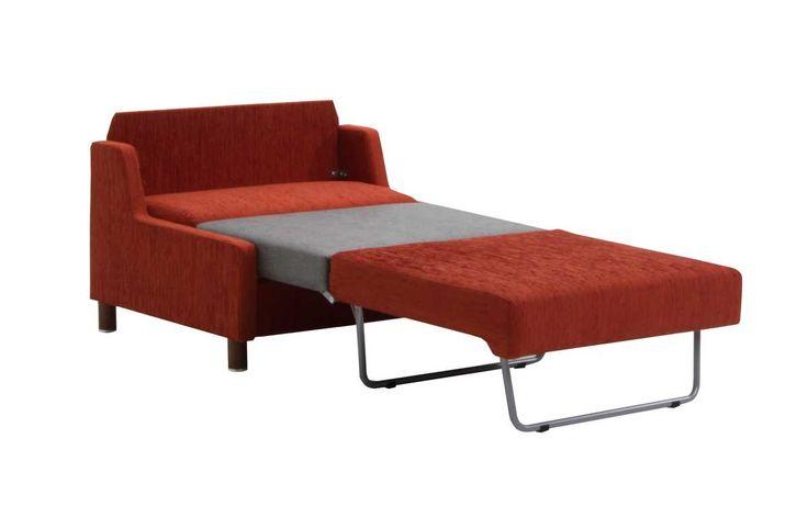 AAVA-sohvat on valmistettu Suomessa. Kotimaisilla kalusteilla on 10 vuoden runko- ja jousistotakuu. Voit valita Aava-sohviin verhoilun vapaasti sadoista vaihtoehdoista, myyjä auttaa Sinulle sopivimman kankaan valinnassa.