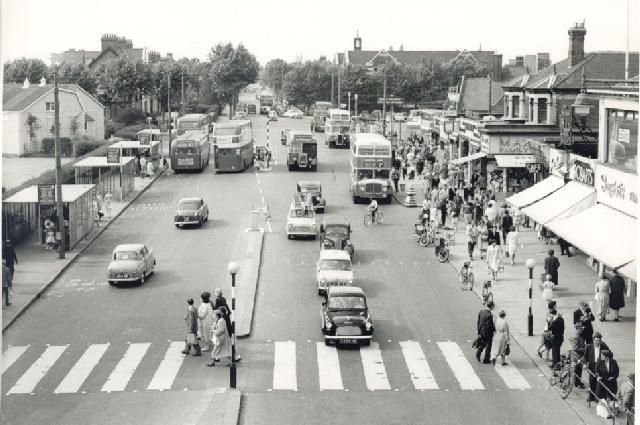looking up Victoria Avenue, Southend, July 1960