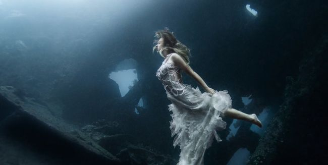 An Epic Underwater Photo Shoot -Tips for Success with Benjamin Von Wong
