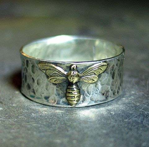 I fell in love with these sweet little bees, and am making several pieces with them.  This little ring is the first.  Stud earrings and a pendant are next...      from Lavender Cottage Jewelry