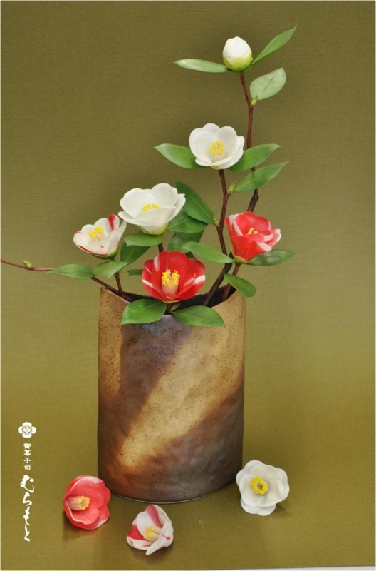 Japanese Candy crafts - these beautiful camellia are made from candy!
