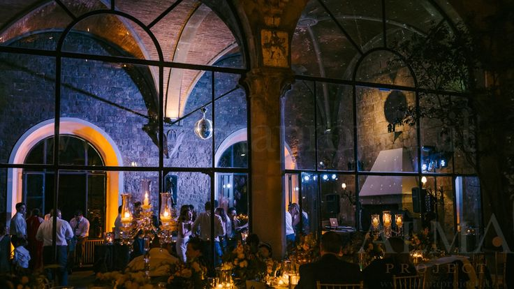 Photo Art Wedding Story - ALMA PROJECT @ Castello di Vincigliata - Loggia & Courtyard - DJ Set - Eva Console Black 150 - Double Small Light System + 2 Beam Roll Led White - smoke machine blue 342