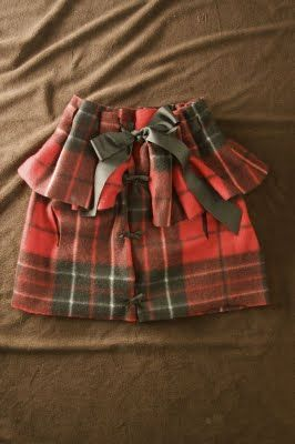 NO SEW caplet for kids...my kind of craft. :)  These would be cute for holiday pics.