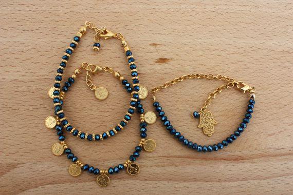 Gold and Blue Crystal Beaded Dainty Bracelet Set por monroejewelry