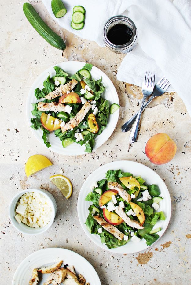 Life's a peach when you eat this fresh grilled peach and chicken salad. Make it for a healthy, lunch or dinner, and enjoy the combination of juicy flavors.