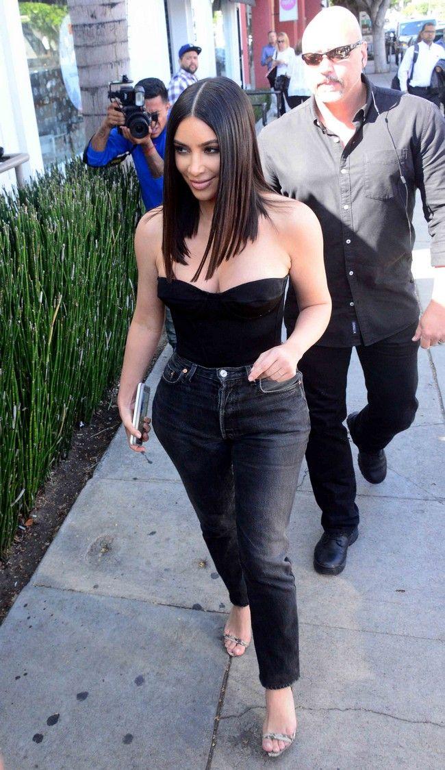 Kim Kardashian: Θα θέλεις να αντιγράψεις το νέο της κούρεμα! - Η star είπε «αντίο» στα μακριά της μαλλιά και φυσικά η νέα της εμφάνιση είναι τέλεια