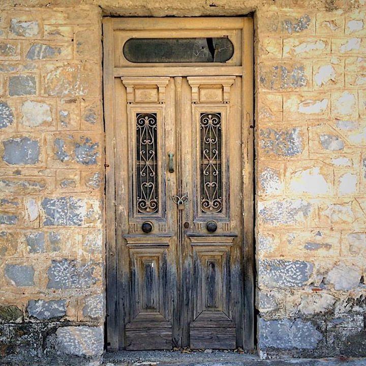 A decrepit door in the town of Sparta one of many captures of interesting details to be found in the Peloponnese.   #sparta #laconia  #peloponnese  #greeceis  #greece #authenticgreece #realgreece #beautifulgreece #peloponnese #great_captures_greece #instagreece #instatravel #wanderlust #wonderlust #photooftheday #handofgreece #ig_greece #vsco #vscogreece #exploregreece #greecetagram #bbctravel #vscogreece #old #doorway #door