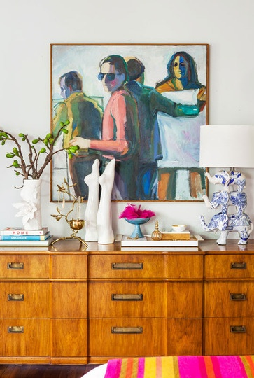 From the art to the objets this vignette is brimming with personality.  Looks great @emilyhenderson
