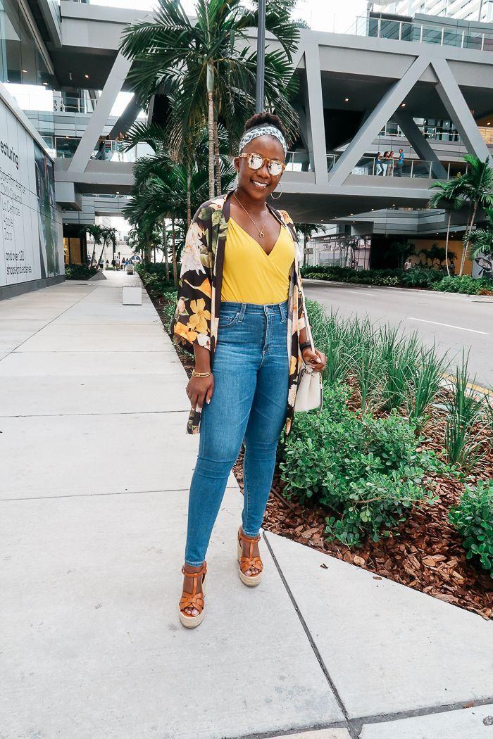 634b9655f4 High Waist Jeans and Wedges | Blogger Fashion | Fashion, High waist ...