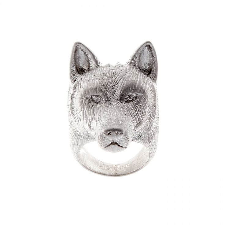 Amazing wolf ring! Show at: http://bit.ly/2rLEBOH