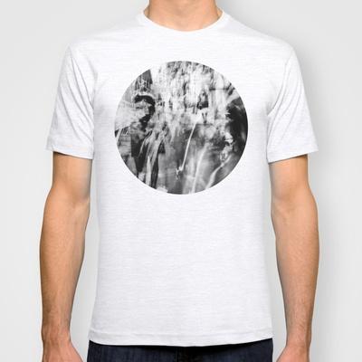 La ciudad desnuda T-shirt by unaciertamirada - $18.00