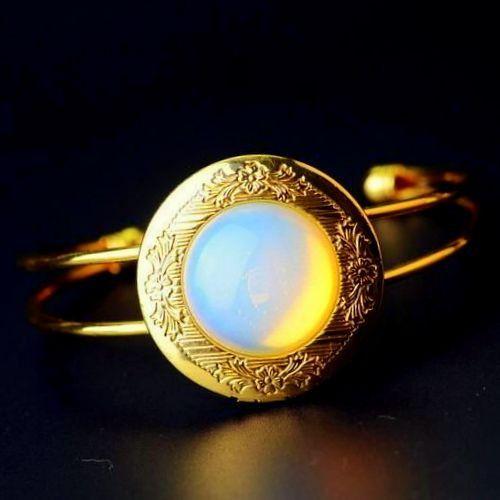 Bohemian Gold BRACELET,Big Opal Bangles, Photo BOX from CamelysUnikatBijoux by DaWanda.com