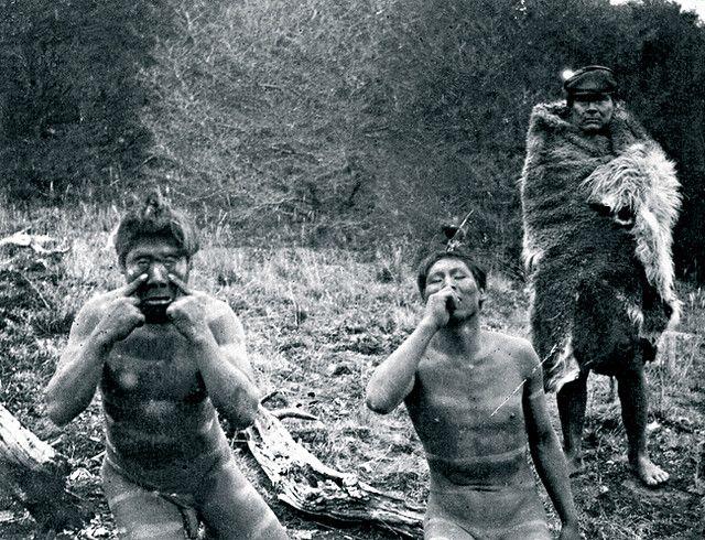 Ceremonia Selk'nam,  autor: Esteban Lucas Bridges, año: 1900-1908 Lugar: Najmishk, zona de Cabo Viamonte y los tributarios del río Fuego, Río Grande, Tierra del Fuego