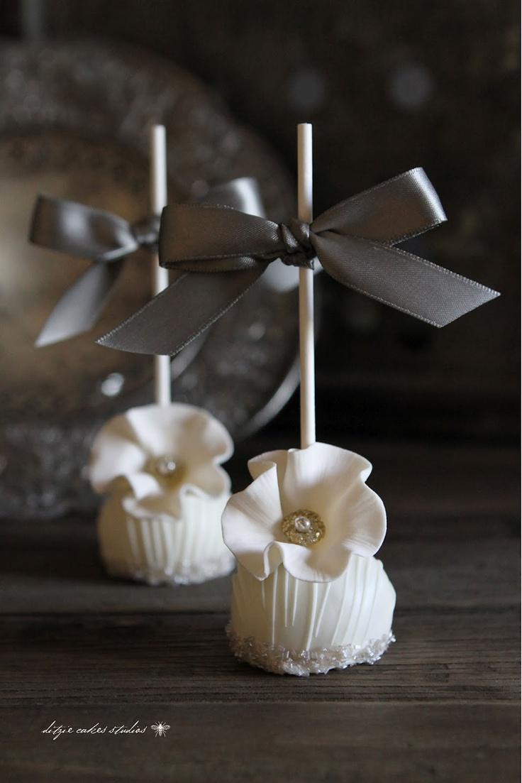 {ditzie cakes} romantic bridal florals
