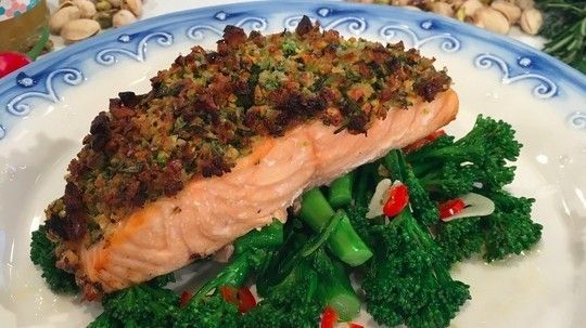 Baked salmon with a pistachio, honey and herb crust