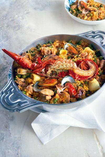 Paella Valenciana (Ρύζι με θαλασσινά, κοτόπουλο και χοιρινό)