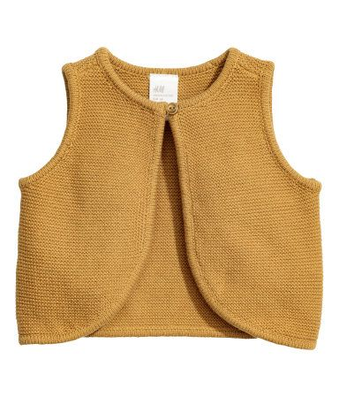 Mustard yellow. BABY EXCLUSIVE/CONSCIOUS. Vest knit in a garter stitch in soft…