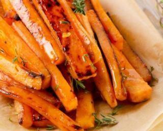 Patate douce et carotte rôties aux épices (I.G. bas) : http://www.fourchette-et-bikini.fr/recettes/recettes-minceur/patate-douce-et-carotte-roties-aux-epices-ig-bas.html