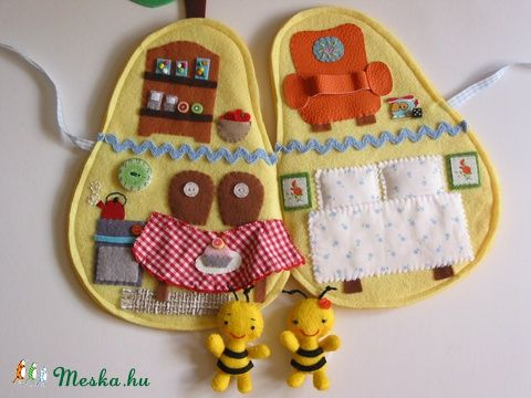 ZUMi en Zizi méhecse körtekuckója- játszókönyvecske, baby-moeder-kind speelgoed, poppen, poppenhuis, Skills spel Mesko