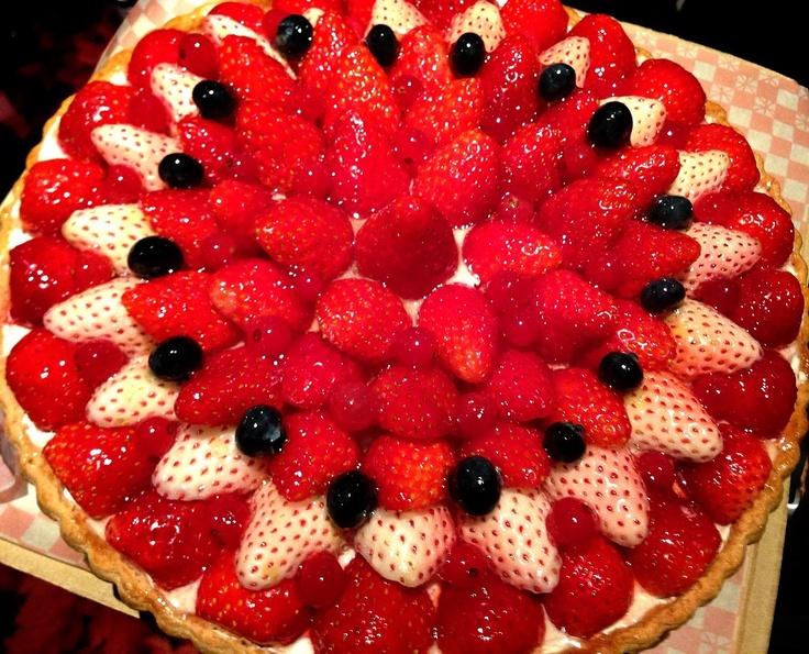 A strawberry tart by Qu'il fait bon