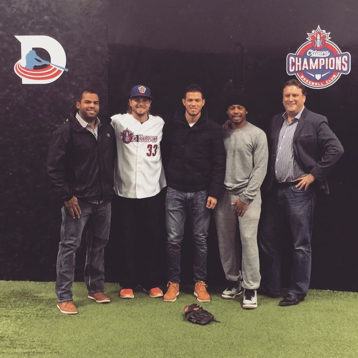Celebrating expansion at Dingerz Batting and Pitching Centre in Ottawa on November 4th 2016