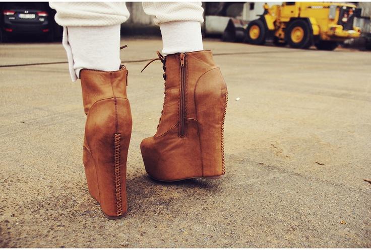 Shoes - Damsel Jeffrey Campbell