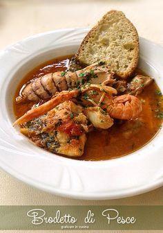 Brodetto di pesce gustoso. Il brodetto di pesce gustoso è un secondo piatto gustosissimo, devo essere sincera, è anche un piatto abbastanza costoso, ma ....
