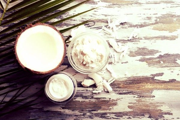 6 Ways to Use Coconut Oil for Skin Care