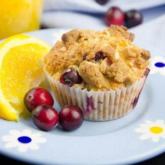 Cranberry and orange muffins with crumble topping (recipe in English and Polish)