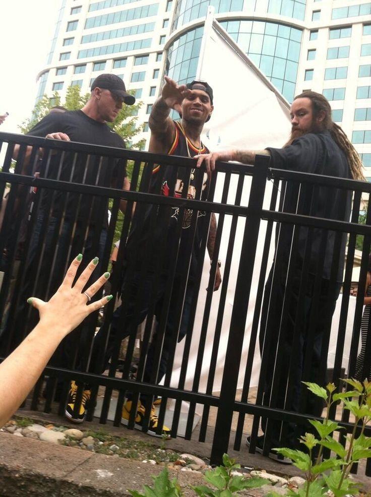 Chris Brown Saying Bye/Hi To Fans Today! via @ChrisBrownRCA