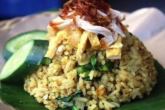 Nasi Goreng khas base betutu