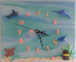 Kinderfeestje klok maken met aqua pigment en silk clay http://evelinashobbyboetiek.nl/index.php/ct-menu-item-7