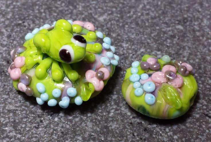 Cute little green frog on flower garden glass lampwork bead...plus 1 extra matching floral bead. by BdazzledJewellery on Etsy