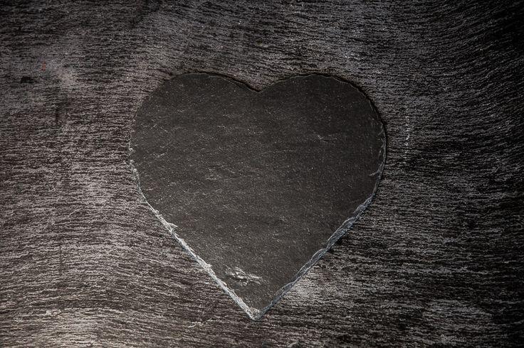 Cuore Heart-Shaped Black Slate Platter – DishesOnly