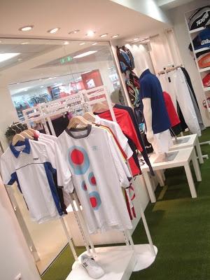 interior spaces, retail: e-tennis outlet store