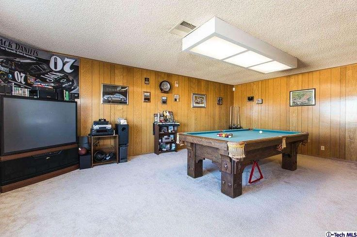 This Large single story home boasts many amenities such as Dual Pane windows, Solar Panels, Full Round of Golf, 40 Ft RV Garage w/Dump Station.
