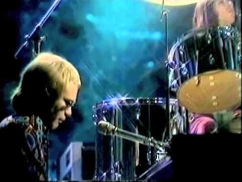 Elton John - Madman Across the Water (1971) Live at BBC Studios - YouTube