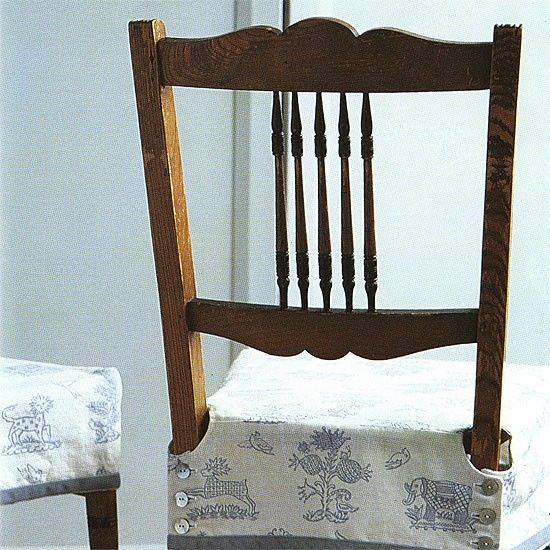 How to make a buttoned chair cover :: detained instructions, great project to freshen up a chair.