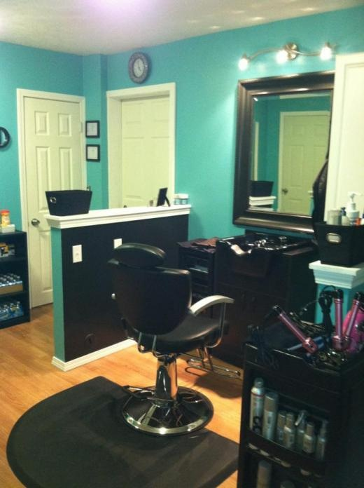 17 best ideas about small salon on pinterest salon ideas for How to make a beauty salon at home