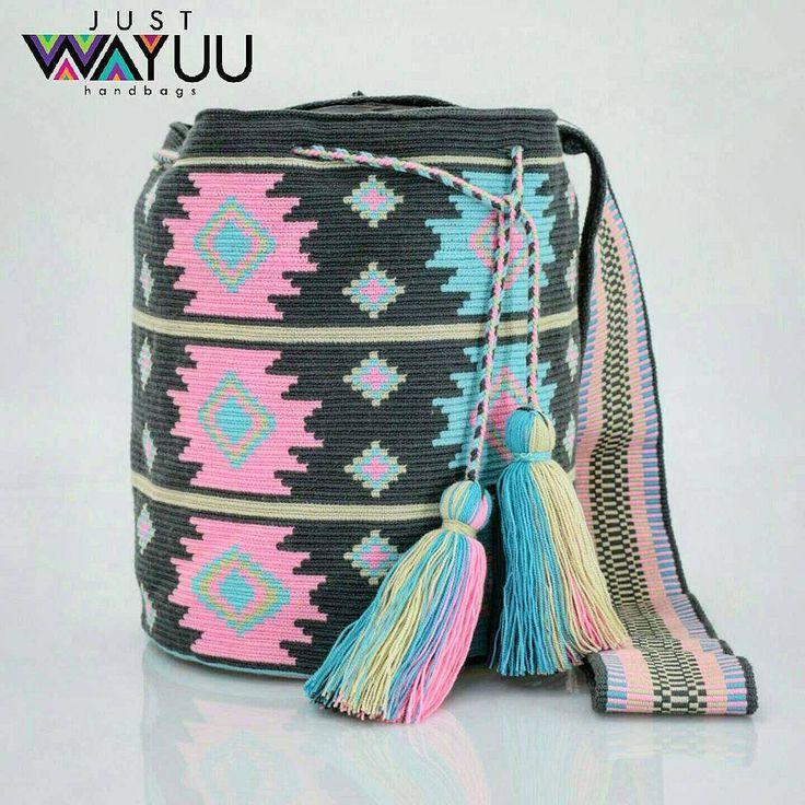 274 отметок «Нравится», 6 комментариев — Just Wayuu (@just.wayuu) в Instagram: «Single thread wayuu bag, totally handcrafted by our wayuu women. Great piece that combines soft…»