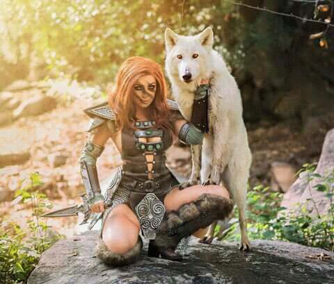 Cosplay_ aela the huntress from skyrim